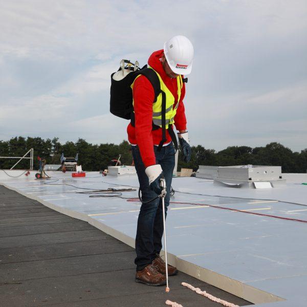 Het snelste verlijmingssysteem voor een plat dak